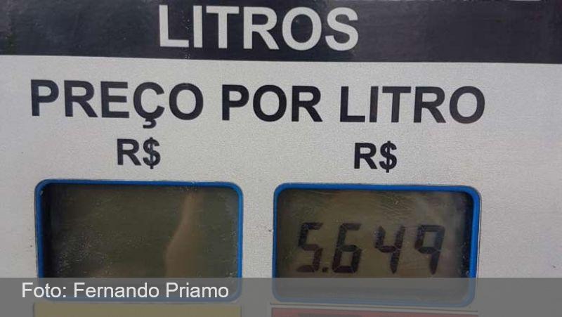 Gasolina dispara e já custa R$ 5,65 em Juiz de Fora