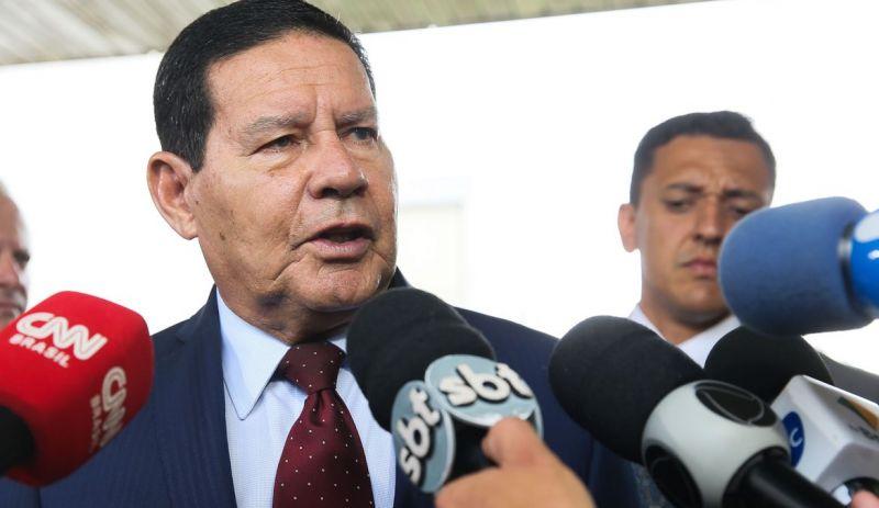Mourão diz que posição do governo não é por uma Constituinte