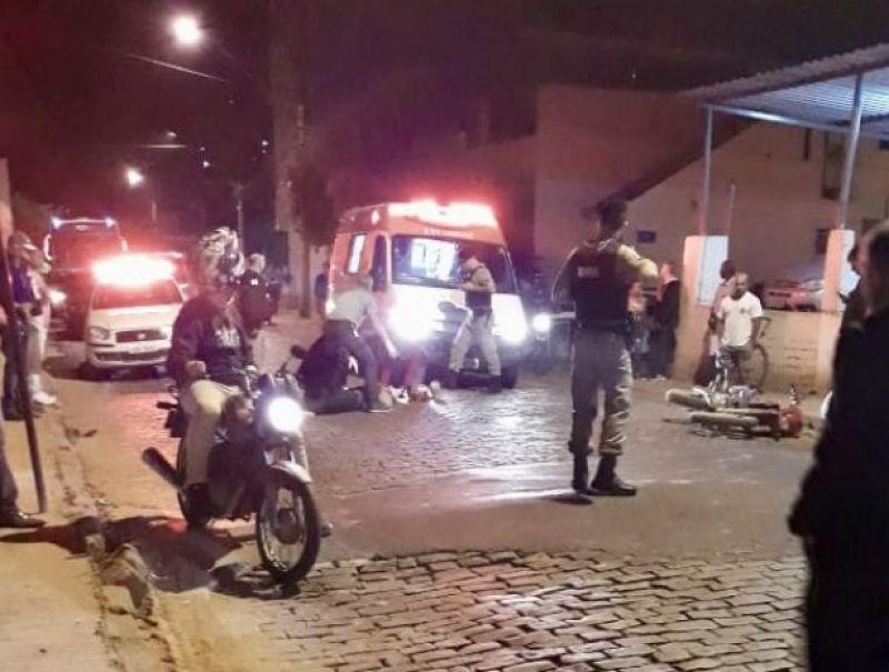 Dois ficam feridos em acidente durante perseguição policial