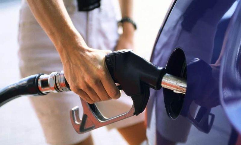 Gasolina aditivada rende mais? Vale a pena?