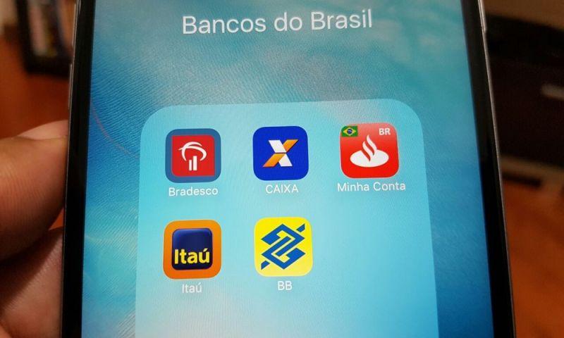 Uma a cada três operações bancárias é feita pelo celular no Brasil, diz Febraban