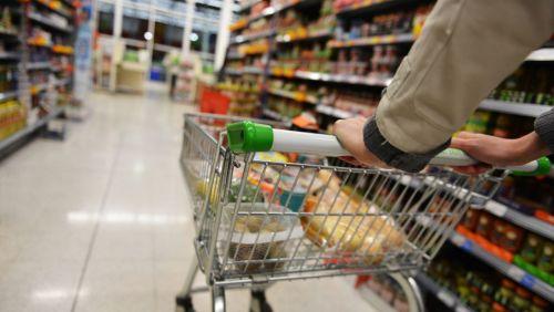 Comércio varejista tem queda de 0,9% em outubro