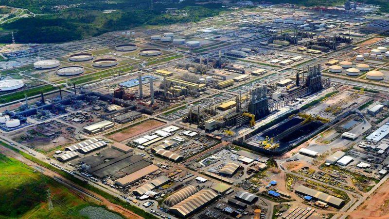 Petrobras sobe preço da gasolina nas refinarias em R$ 0,10
