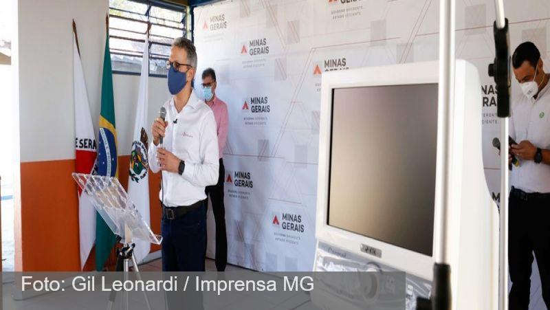 Romeu Zema faz entrega de novos respiradores no interior de MG