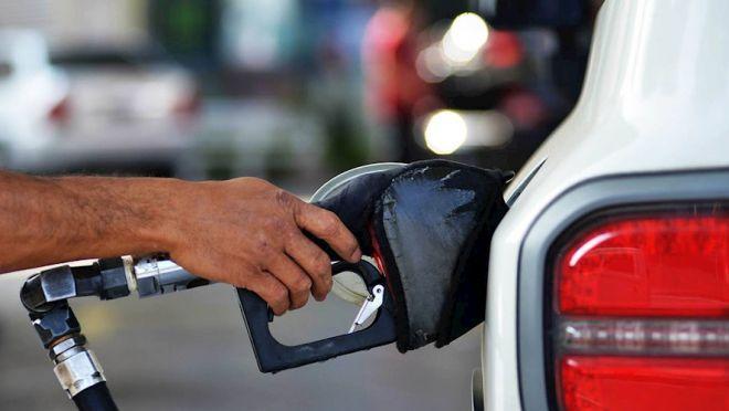 Preço da gasolina sobe há sete semanas seguidas e bate recorde
