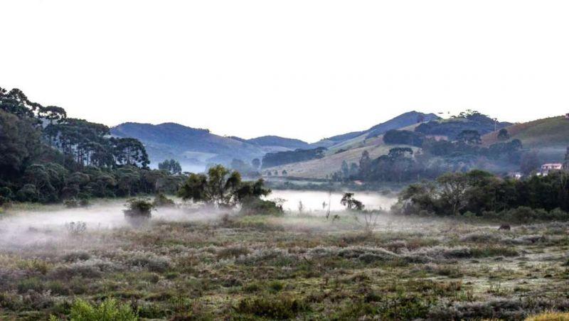 Massa de ar frio chega a Minas e provoca novo recorde de temperatura baixa