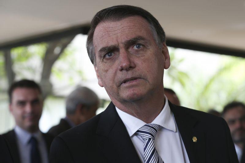 """Bolsonaro diz que vai abrir 'caixa-preta"""" do BNDES"""