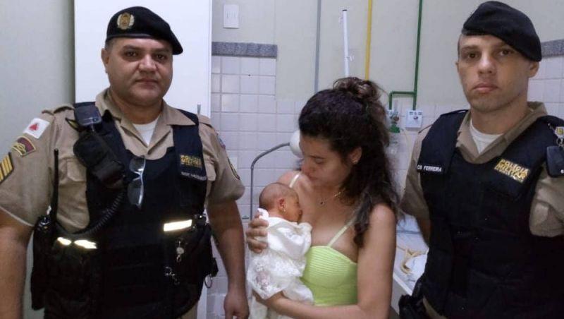 Policial militar salva vida de recém-nascido que engasgou durante amamentação em Muriaé