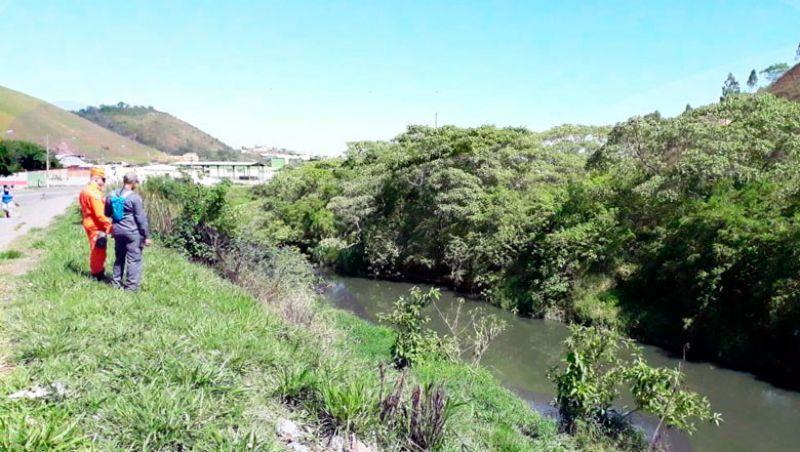 Homem que sumiu no Rio Paraibuna em JF continua desaparecido