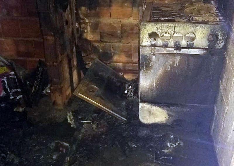 Mulher briga com marido e põe fogo na casa em Cataguases