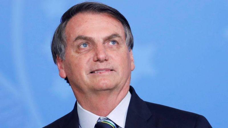 Bolsonaro remove lesões da face e da orelha, diz Planalto; material retirado vai para laboratório