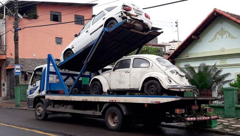 Prefeitura realiza nova operação para retirada de veículos abandonados das vias de JF