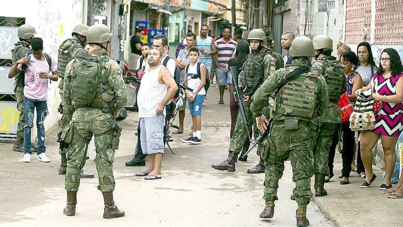 Intervenção no Rio tem 80% de aceitação entre mais pobres, diz general
