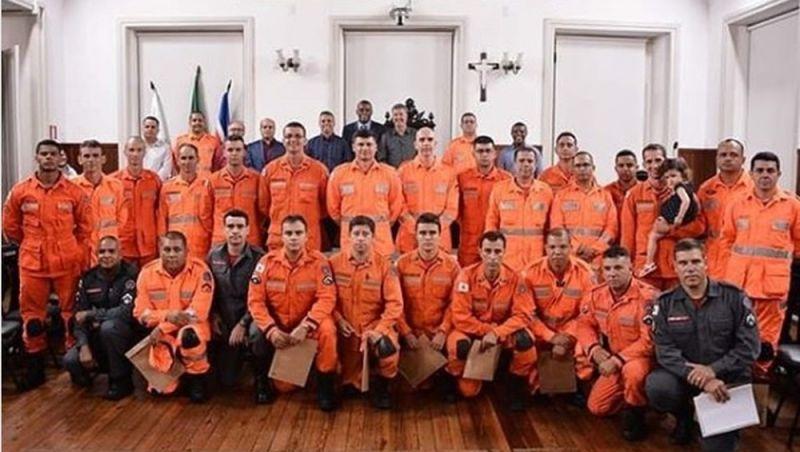 Bombeiros de Juiz de Fora são homenageados por atuação em Brumadinho