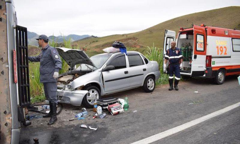 Idosa e motorista de carreta ficam feridos em acidente na BR-116