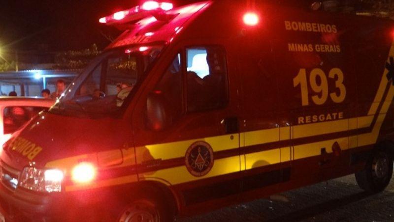 Motociclista morre após colidir com carro na BR-040 em Santos Dumont