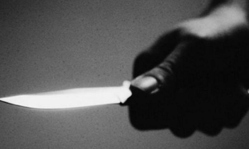 Assaltante armada com faca rouba adolescente na Zona Norte
