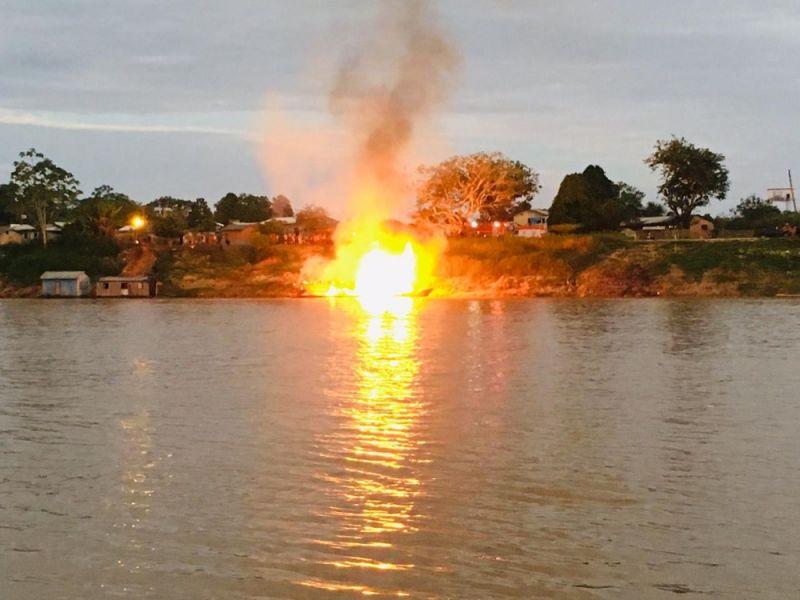Explosão de barco em rio no Acre deixa 15 feridos em estado grave
