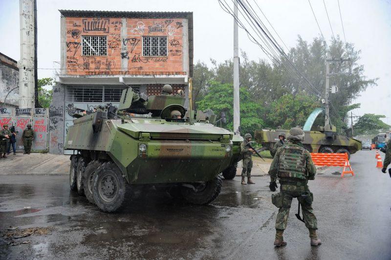 Polícia investiga mortes durante operação no Complexo da Maré