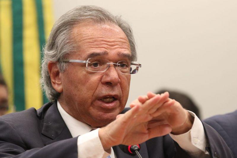 Multa de R$ 2,5 bi da Petrobras pode ir para educação, diz Guedes