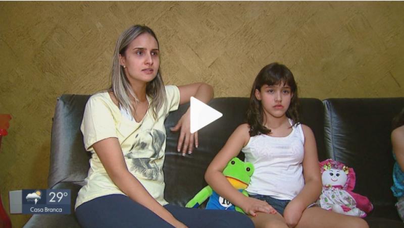 Após 7 anos, menina que não comia pela boca revê cirurgiões e agradece: 'Eu não tinha uma luz'