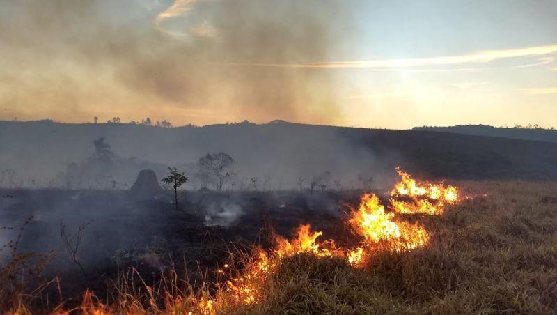 Corpo de Bombeiros registra dez queimadas em menos de 24 horas no Campo das Vertentes