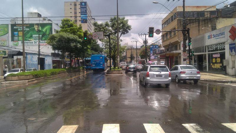 Pancadas de chuva são previstas para Zona da Mata e Campo das Vertentes no fim de semana; alerta sobre riscos continua