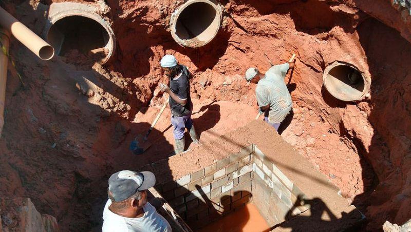 Secretaria de Obras de Juiz de Fora recupera redes de drenagem durante o feriado