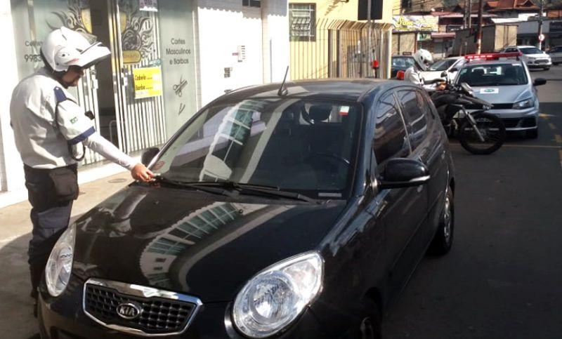 Força tarefa de fiscalização da Settra autuou 35 veículos no Bairro Santa Terezinha em Juiz de Fora