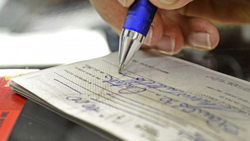 Bancos vão oferecer parcelamento de dívida do cheque especial com juros baixos