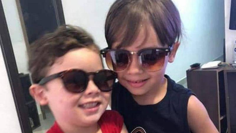 Bombeiros retiram corpos de duas crianças dos escombros de prédios na Muzema