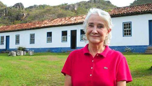 Artista Angela-Lago morre aos 71 anos