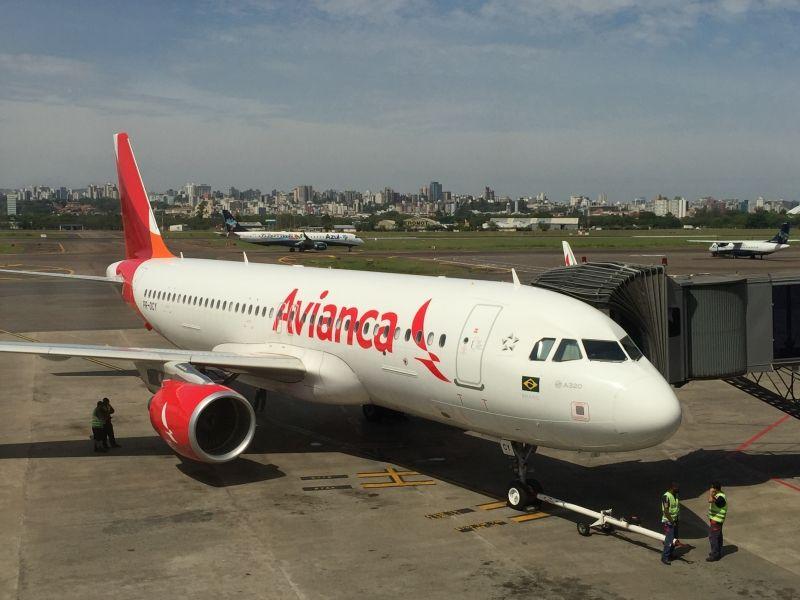 Após Avianca pagar salários atrasados, funcionários desistem de greve
