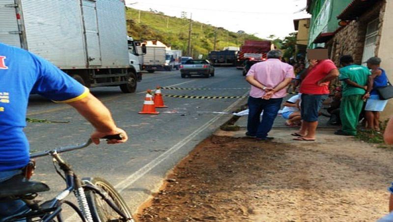Tragédia: criança de 2 anos morre atropelada por carreta em Rio Pomba