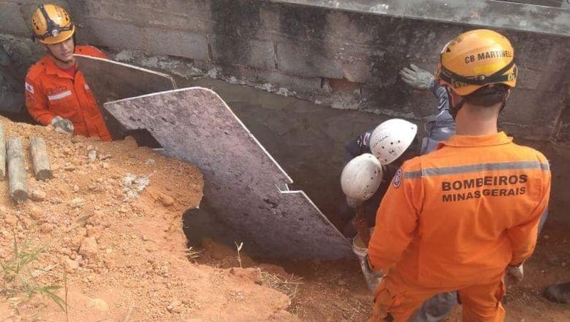 Trabalhador fica parcialmente soterrado em obra em Juiz de Fora