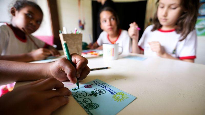 Julgamento de ensino em casa é suspenso após voto favorável de relator