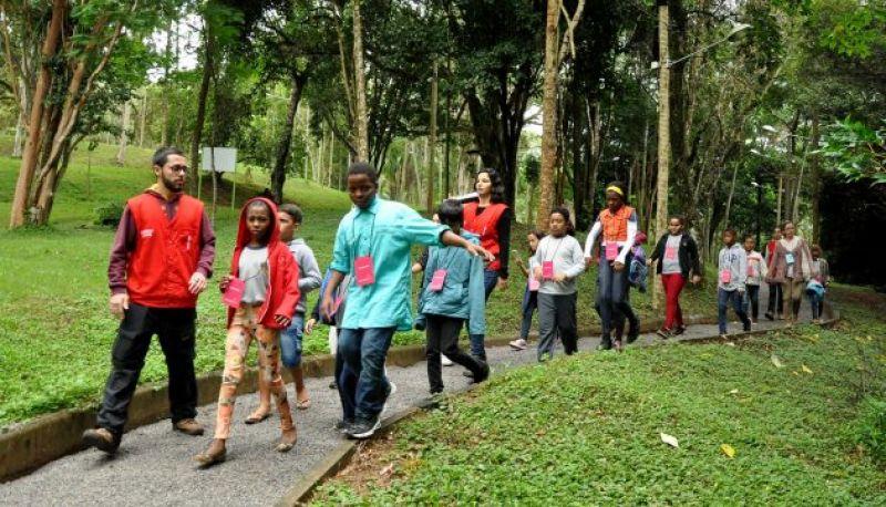Jardim Botânico da UFJF recebe primeiro grupo escolar para visita