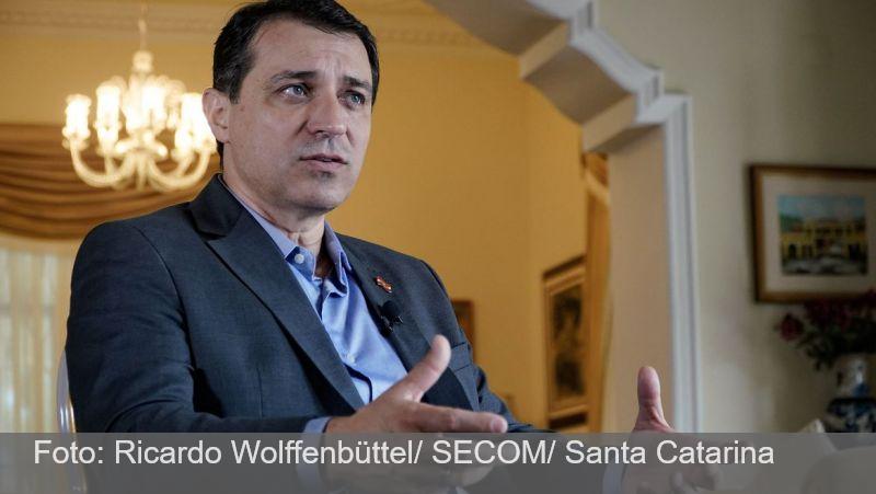 Governador de Santa Catarina é absolvido em processo de impeachment