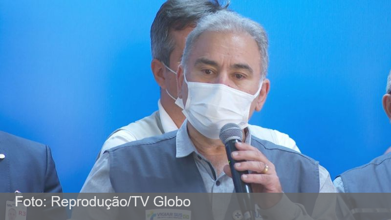 Ministro diz que há 'excesso de vacina' no Brasil; 6 estados têm falta para 2ª dose