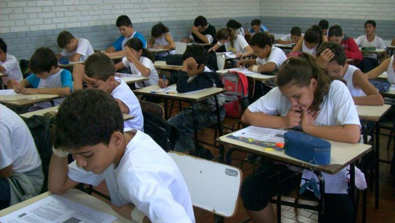 Governo anuncia R$ 406 milhões para escolas em tempo integral