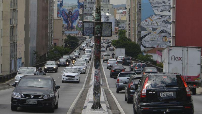 Prefeitura de SP quer transformar o Minhocão em Parque Linear