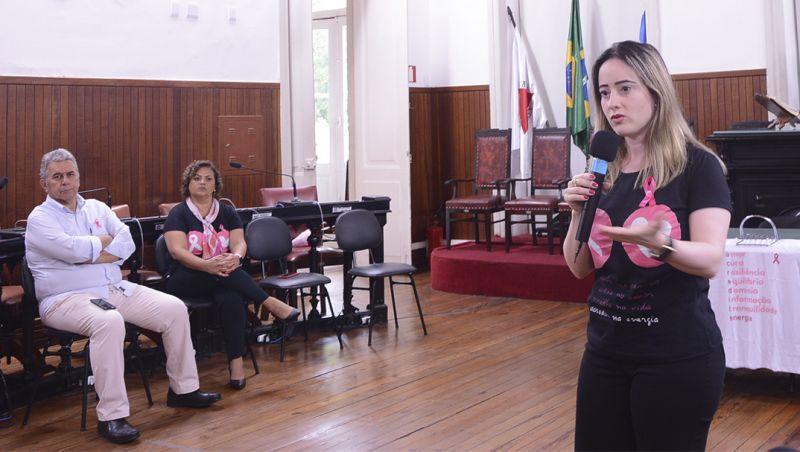 Semana de Combate ao Câncer de mama é tema de palestra na Câmara de JF