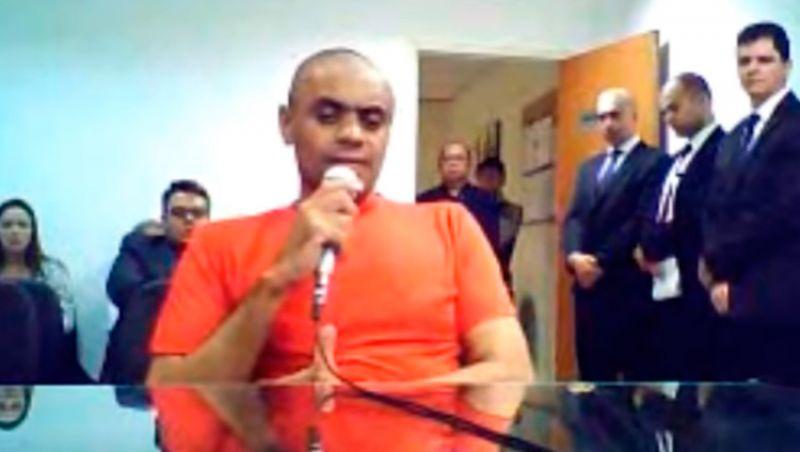 Justiça autoriza entrevista de Adelio Bispo para TV