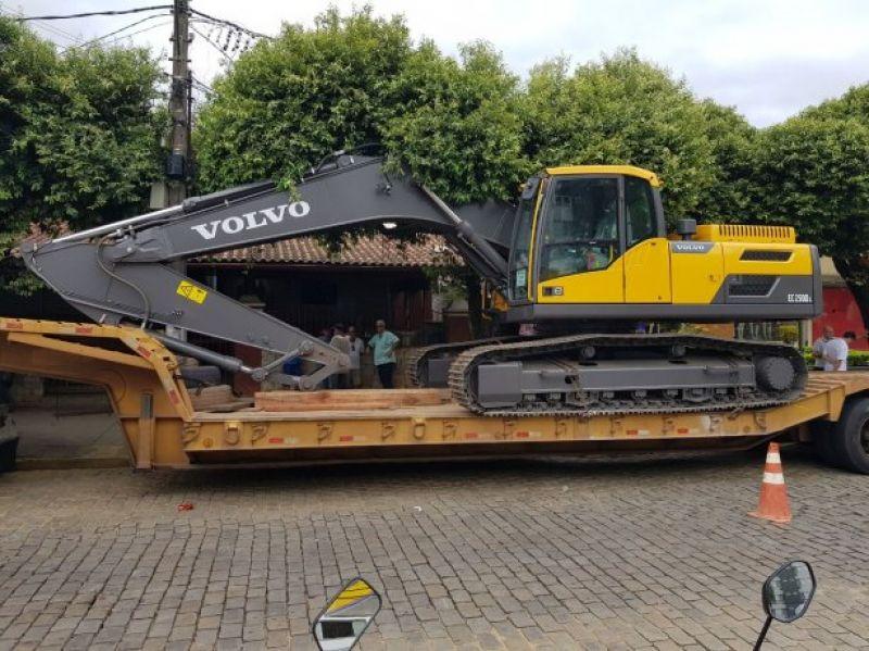 Polícia Civil prende suspeitos de furto de escavadeira hidráulica