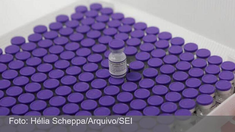 Brasil recebe mais um lote de vacinas da Pfizer contra covid-19