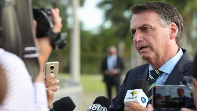 Após insulto a repórter, 'impeachment de Bolsonaro' vira um dos assuntos mais comentados do Twitter