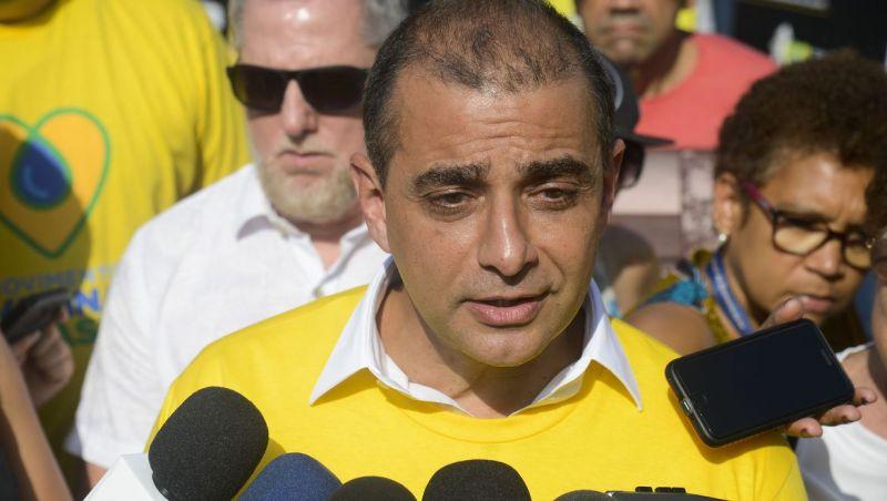 Ex-secretário de Saúde do Rio é levado para Cidade da Polícia