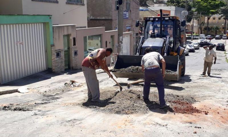 Secretaria de Obras de Juiz de Fora faz manutenção de rede de drenagem em seis bairros