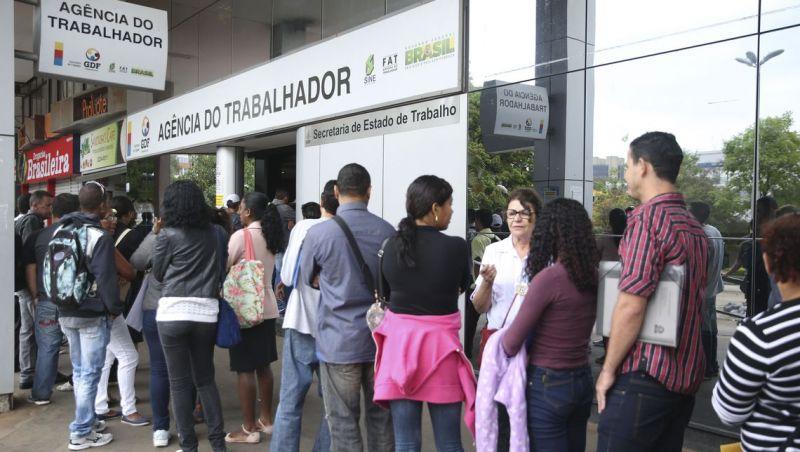 Um em cada quatro desempregados procura trabalho há pelo menos 2 anos