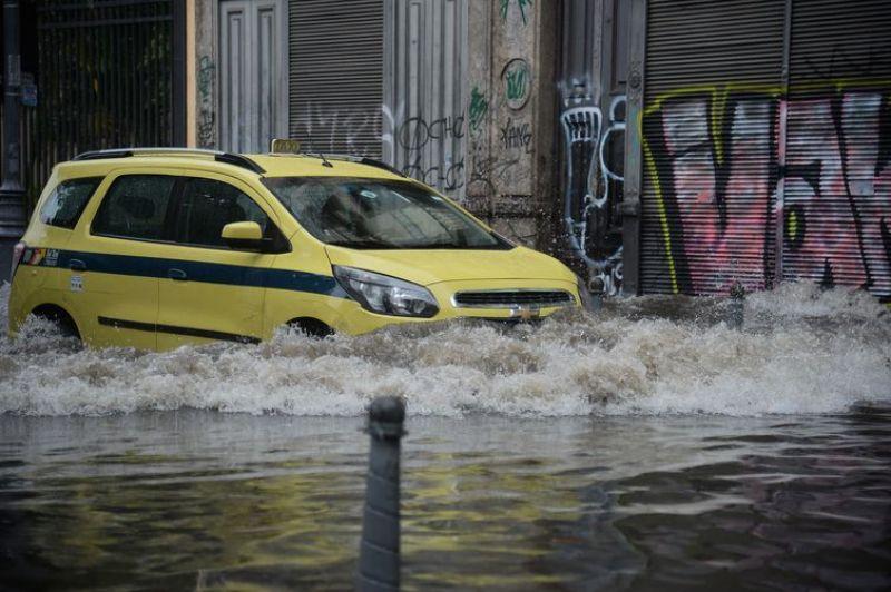 Chuva provoca alagamentos em vários pontos do estado do Rio